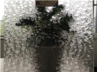 压延玻璃是什么  玻璃熔化温度与软化温度哪个高