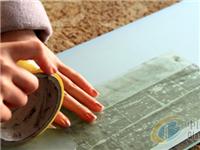 玻璃隔断磨砂纸怎么贴  磨砂玻璃的优点