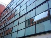 玻璃幕墙室内侧耐撞击性能设计及计算