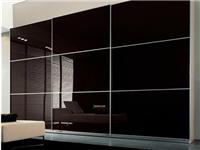 烤漆钢化玻璃背景墙有气泡怎么办  烤漆玻璃有什么特点
