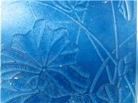 彩绘玻璃和聚晶玻璃的装饰性能  玻璃衣柜门用什么材质的好