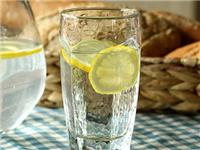 喝水用的玻璃杯是什么材质的  高硼硅玻璃杯有什么特性