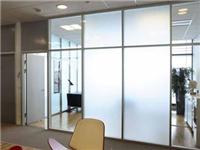 玻璃隔断材料种类与特点  隔断玻璃的维护保养方法
