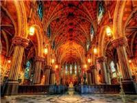 教堂的彩绘玻璃有何特点  玻璃有多少种料着色方法
