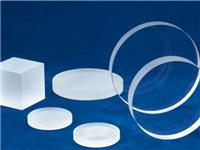 石英玻璃具有哪些特点呢  使用石英玻璃要注意什么
