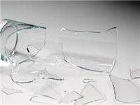 玻璃碎片要怎么回收利用  玻璃主要的化学组成成分