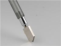 玻璃刀刀头是钻石做的吗  玻璃刀切割玻璃有何技巧