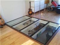 玻璃地板铺设装修的步骤  钢化玻璃可以作为地板吗