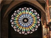 教堂彩绘玻璃的制作流程  教堂彩绘玻璃的制作特点
