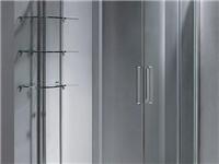 怎么去除浴室玻璃的水渍  清洗浴室玻璃隔断的方法