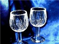 水晶材质的玻璃杯有毒吗  水晶玻璃里为什么要加铅