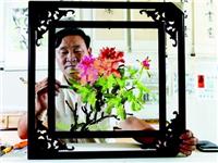 装饰玻璃画是怎样制作的  磨砂玻璃材料有什么特性