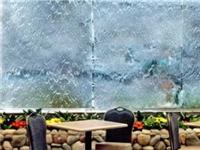 玻璃水幕墙有什么优缺点  玻璃水幕墙的原理与作用
