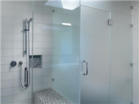 浴室玻璃门怎样清洗干净  玻璃淋浴房具有什么优点