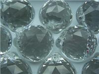 水晶与玻璃该怎么来区分  水晶玻璃具有什么特点呢