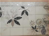 工艺玻璃材料有哪些应用  客厅玻璃背景墙够美观吗