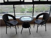 玻璃圆桌该怎么进行组装  玻璃材质家具要怎么养护