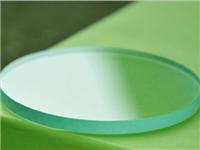 如何区分玻璃和树脂镜片  光学玻璃镜片有什么特点
