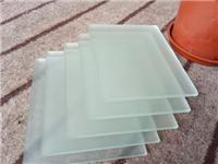 玻璃蒙砂材料有哪些类型  喷砂玻璃与磨砂有何区别