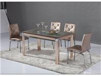 家里用钢化玻璃餐桌好吗  玻璃家具日常保养的方法