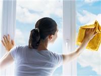 擦玻璃有哪些实用的技巧  清洁玻璃有哪些工具可用