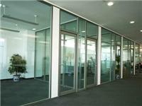 做隔断的玻璃材料哪种好  玻璃隔断安装施工的要点