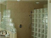 空心玻璃砖原料与制作法  空心玻璃砖隔断造价高吗