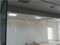 普通玻璃能做单向玻璃吗  单向透视玻璃的使用要点