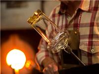玻璃怎样做吹制成型加工  手工吹制加工有什么技巧