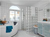 卫生间玻璃装修有何要点  卫生间能用玻璃砖隔断吗