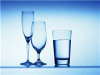 如何辨别人工吹制玻璃杯  玻璃杯是怎么制作出来的