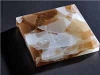 怎样区分玉石和玻璃材料  玉石玻璃材料有什么特点