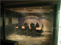智能调光玻璃的功能特点  智能调光玻璃的生产方法