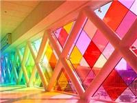 阳台有色玻璃该怎么装修  阳台装修设计有什么要点