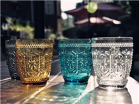 刻花玻璃制作方法与特点  化学雕刻玻璃特点与用途