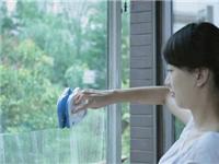 怎么清洗窗户玻璃更干净  清洗玻璃可以用什么工具