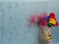 压花玻璃性能特点与应用  烤漆玻璃的加工制作方法