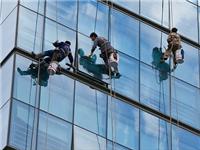高空幕墙玻璃该怎么清洗  家里的玻璃家具怎么清洗
