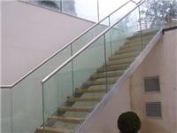 玻璃栏板有哪些施工方案  玻璃材质楼梯分成哪几类