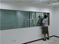单向玻璃贴膜应该怎么用  夹胶玻璃也需要做贴膜吗