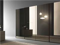 镜面玻璃和单向玻璃差别  单向透视玻璃该如何安装