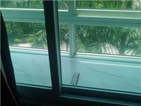 双层玻璃内有蒸气怎么办  中空玻璃有哪些应用领域