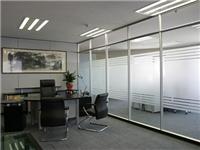 玻璃隔断墙怎么施工安装  玻璃耗材主要指哪些材料