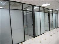 玻璃隔断材质尺寸的分类  玻璃门该怎样调节地弹簧