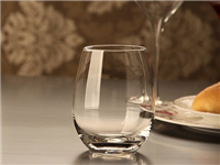 怎么分辨水晶和玻璃酒杯  选购玻璃杯的方法和技巧
