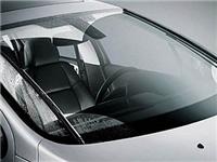 汽车玻璃白色斑点怎么除  汽车前挡风玻璃怎么保养