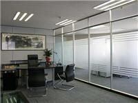 玻璃隔断施工要哪些材料  不同材质玻璃隔断的特点