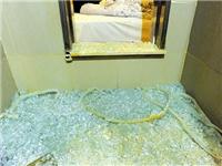 淋浴房玻璃为何自己碎裂  玻璃门可以做成什么类型