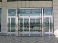 电动感应玻璃门怎样安装  自动感应玻璃门安装方法