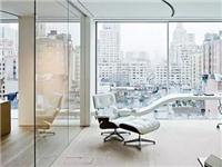 壁纸能否贴在玻璃墙面上  彩绘墙面玻璃怎么制造的